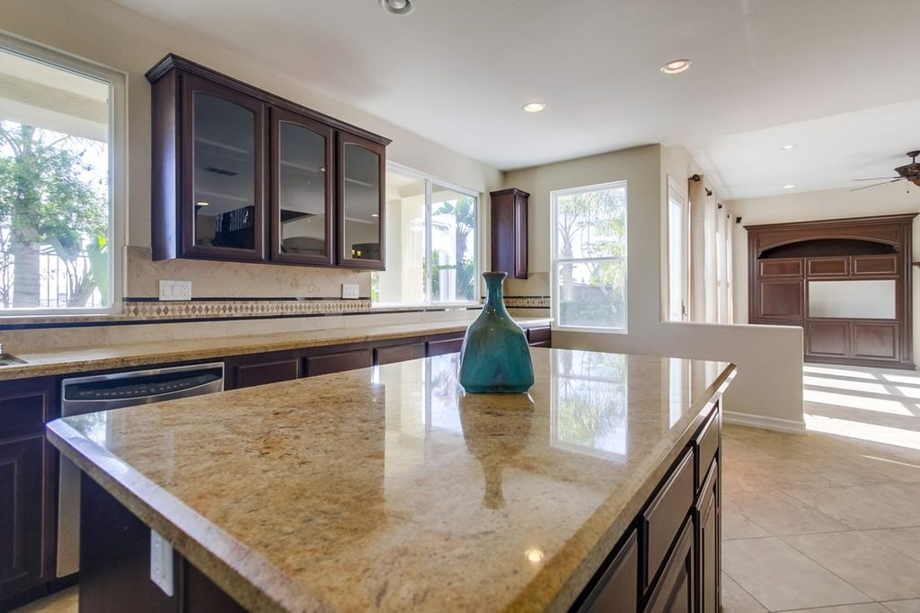 5111 Delaney Ct, Carlsbad, CA 92008 -  $1,038,000 home for sale, house images, photos and pics gallery
