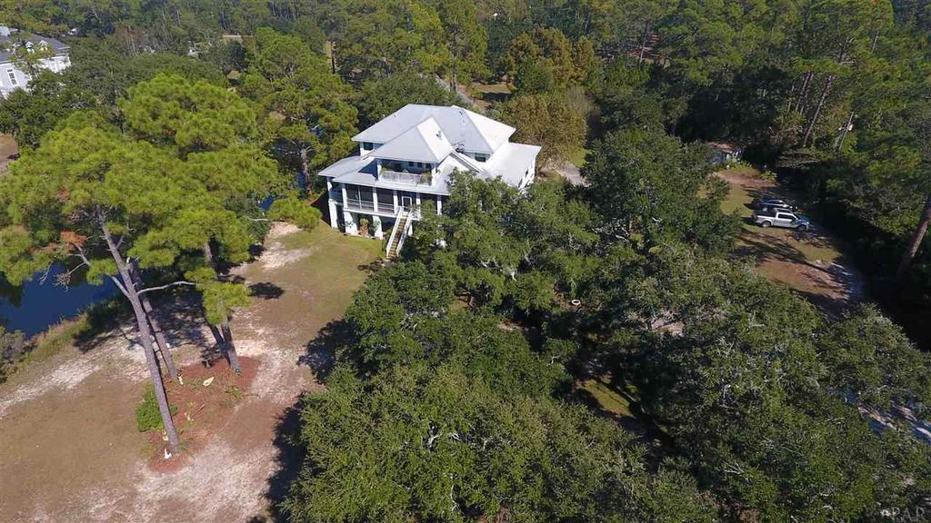 5533 Bay Meadows Dr, Milton, FL 32583 -  $1,095,000 home for sale, house images, photos and pics gallery