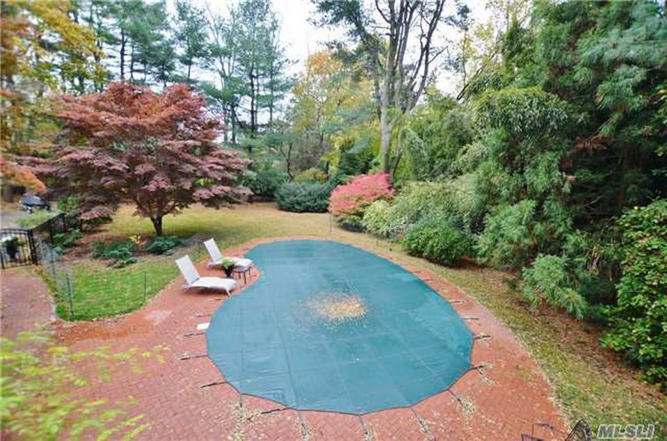 6 Charleston Dr, Halesite, NY 11743 -  $1,099,000 home for sale, house images, photos and pics gallery