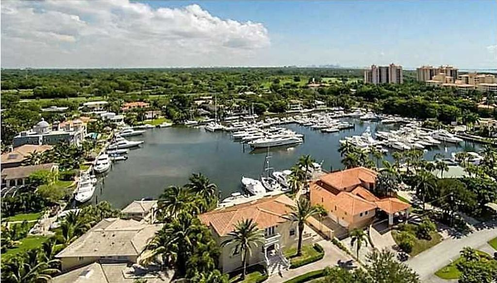 6410 Dolphin Dr, Coral Gables, FL 33158 -  $1,095,000 home for sale, house images, photos and pics gallery