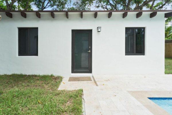 6475 SW 83rd St, Miami, FL 33143 -  $1,075,000