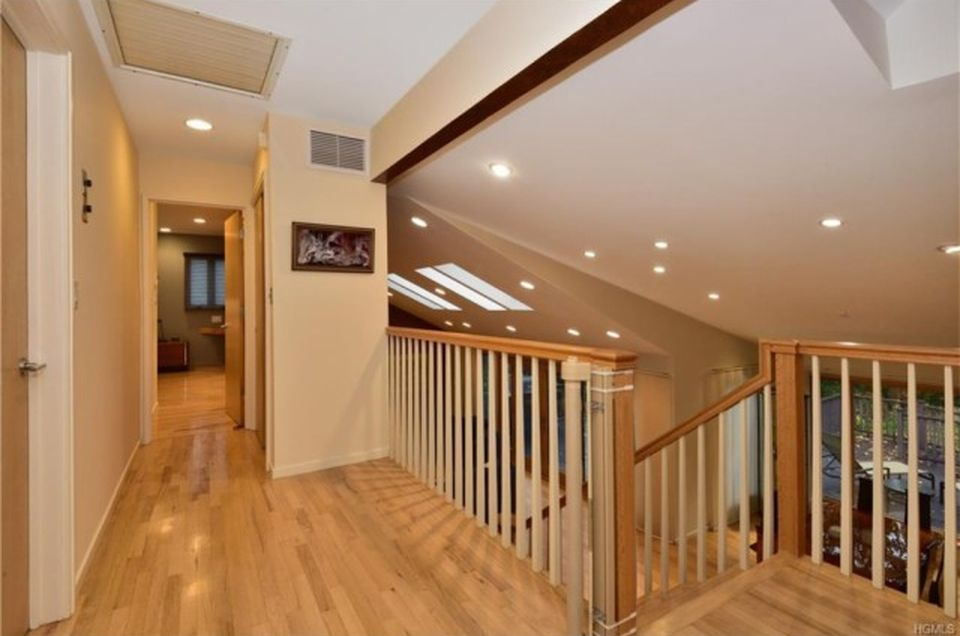 66 Dora Ln, New Rochelle, NY 10804 -  $1,150,000 home for sale, house images, photos and pics gallery