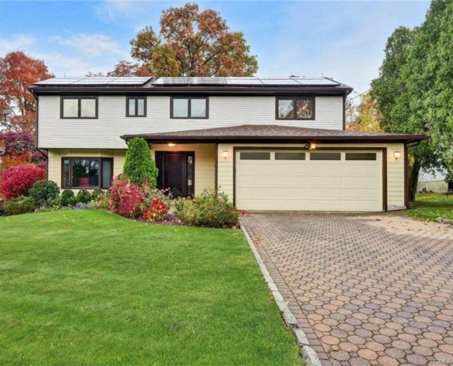 66 Dora Ln, New Rochelle, NY 10804 -  $1,150,000
