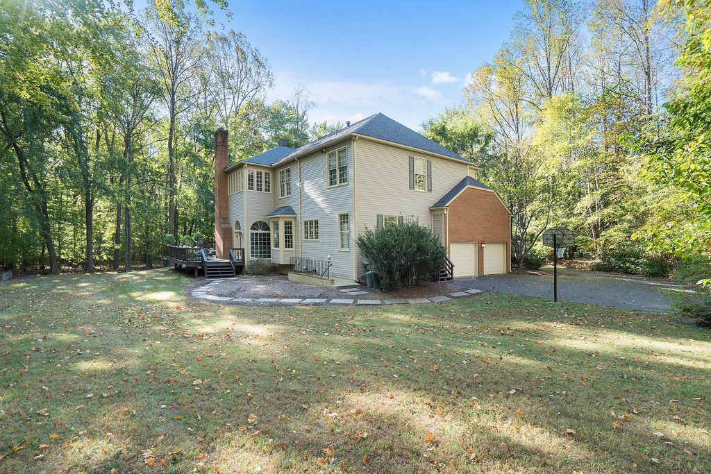 6601 Rutledge Dr, Fairfax Station, VA 22039 -  $1,100,000 home for sale, house images, photos and pics gallery