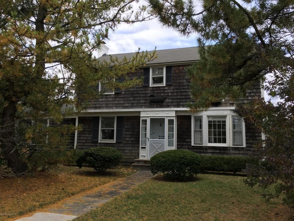 704 Main Ave, Bay Head, NJ 08742 -  $1,100,000