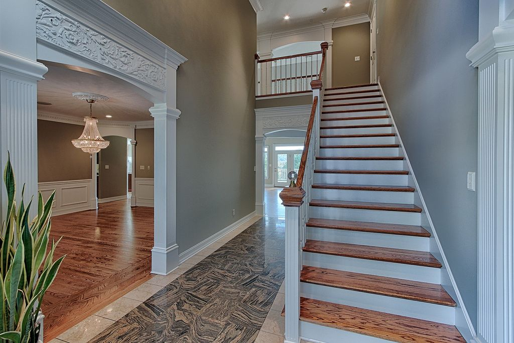 7044 Lake Bluff Ct, Knoxville, TN 37920 -  $1,175,000 home for sale, house images, photos and pics gallery