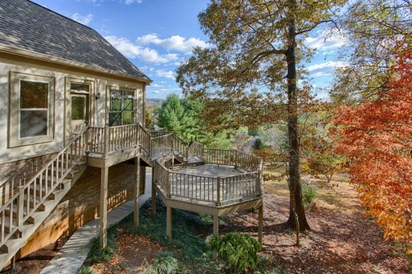 7044 Lake Bluff Ct, Knoxville, TN 37920 -  $1,175,000