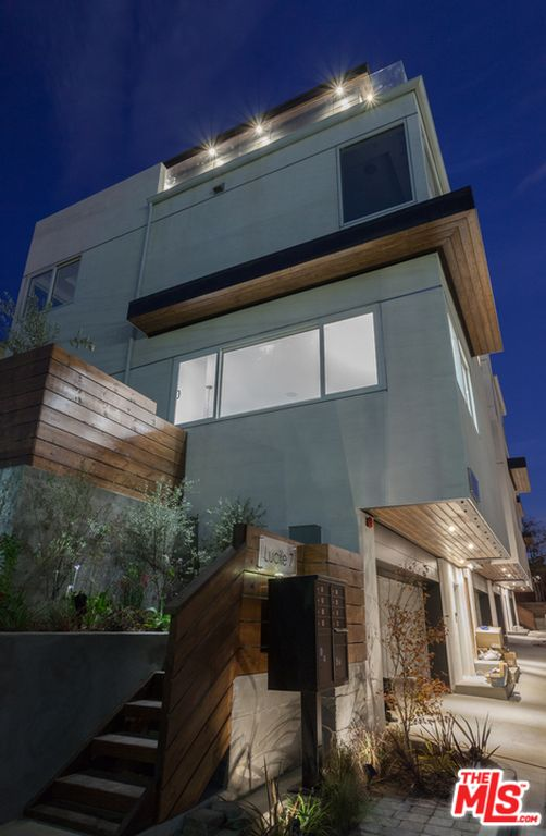 722 722 1/2 Lucile Ave, Los Angeles, CA 90026 -  $1,069,000