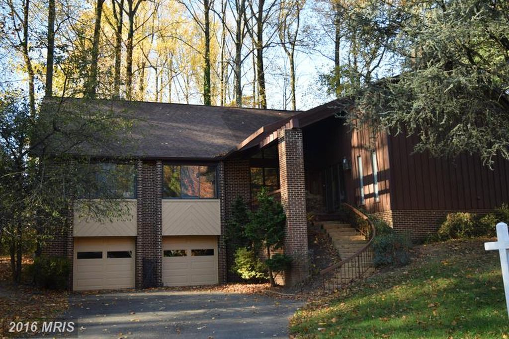 7315 Hooking Rd, Mc Lean, VA 22101 -  $1,069,000