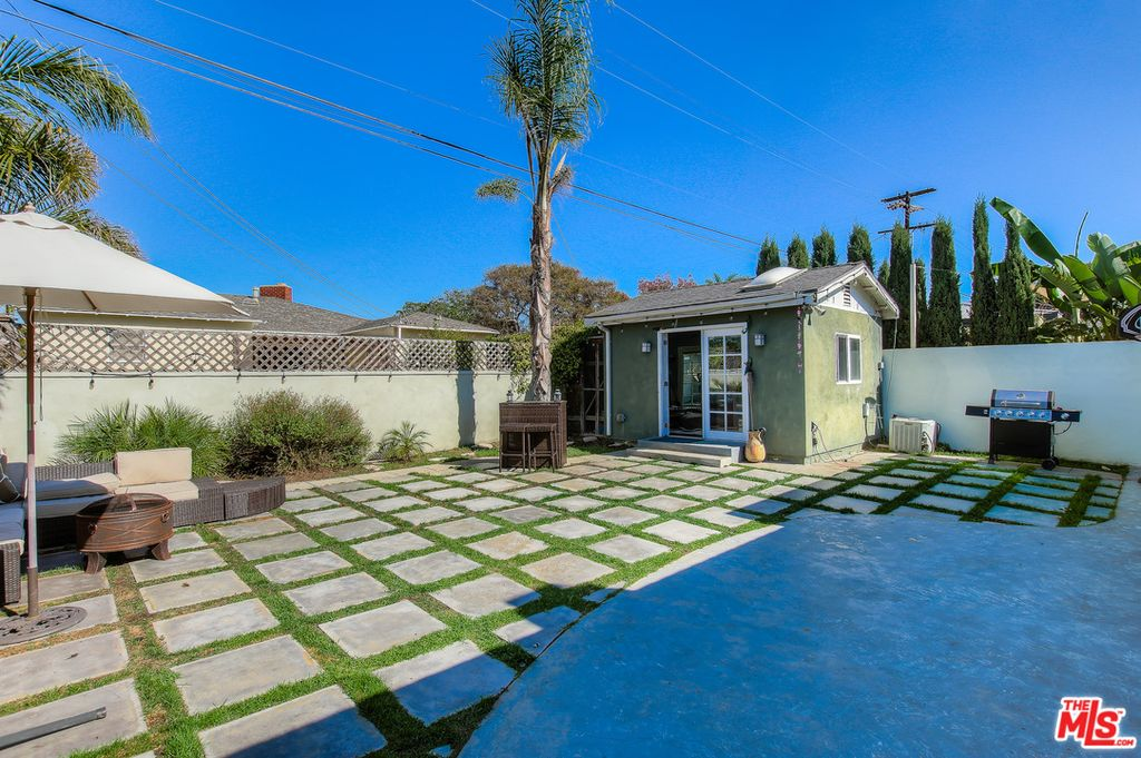 7407 W 82nd St, Los Angeles, CA 90045 -  $1,295,000 home for sale, house images, photos and pics gallery