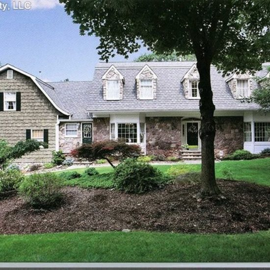 748 Galloping Hill Rd, Franklin Lakes, NJ 07417 -  $1,135,000