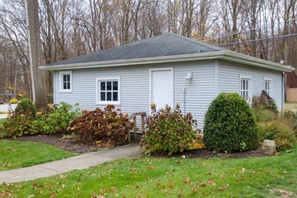7574 E Vawter Park Rd, Syracuse, IN 46567 -  $1,199,000