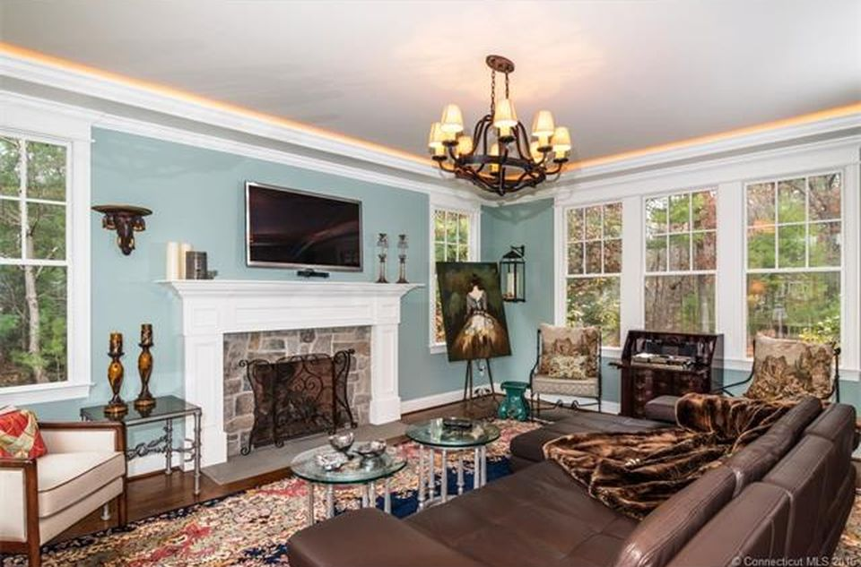 8 Banbury Cres, Farmington, CT 06032 -  $1,049,900 home for sale, house images, photos and pics gallery
