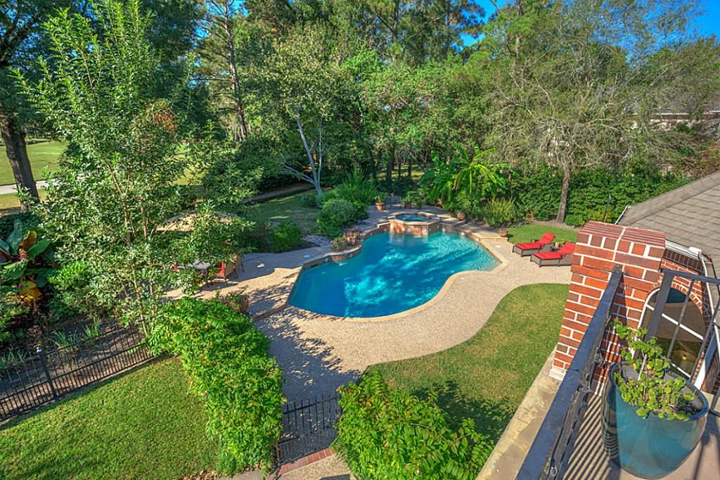 8 Rain Fern Ct, Spring, TX 77380 -  $1,047,000 home for sale, house images, photos and pics gallery
