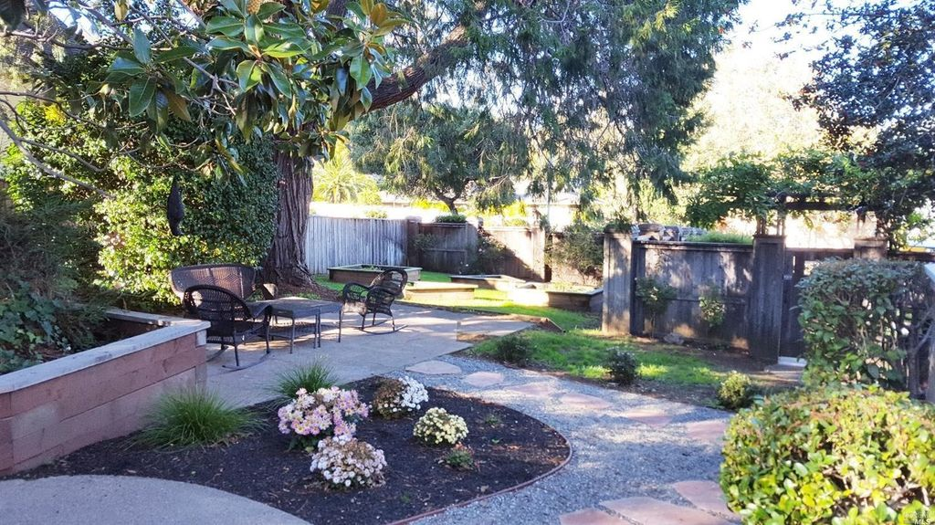 813 Sir Francis Drake Blvd, Kentfield, CA 94904 -  $1,050,000 home for sale, house images, photos and pics gallery