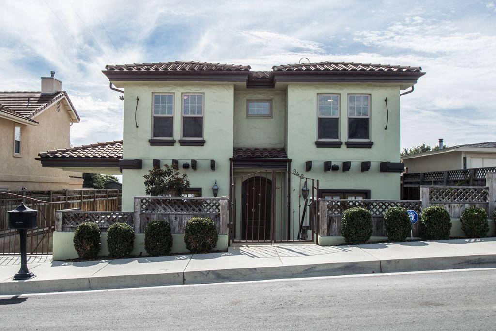 842 Saratoga Ave, Grover Beach, CA 93433 -  $1,049,000