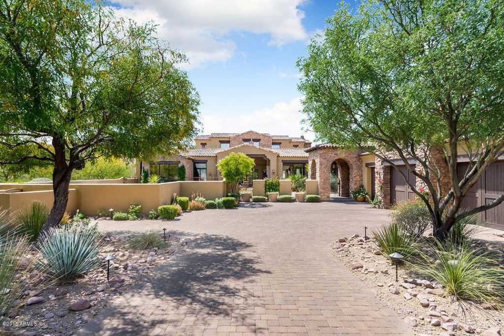 8731 E Lost Gold Cir, Gold Canyon, AZ 85118 -  $1,075,000