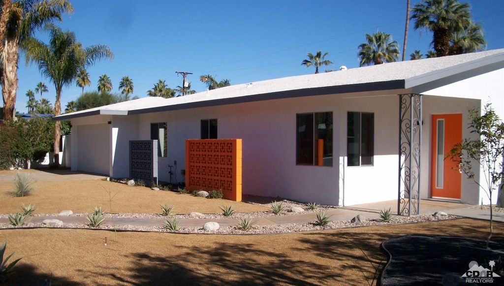 1070 S Calle Marcus, Palm Springs, CA 92264 -  $979,000