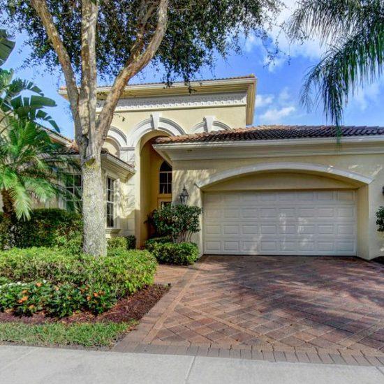 118 Monte Carlo Dr, Palm Beach Gardens, FL 33418 -  $1,099,000