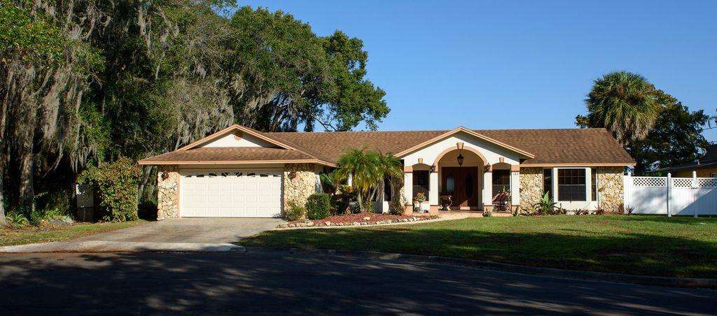 180 Minnehaha Cir, Maitland, FL 32751 -  $1,099,000