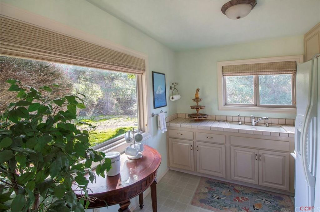 250 Pleasant Ln, Arroyo Grande, CA 93420 -  $1,180,000 home for sale, house images, photos and pics gallery