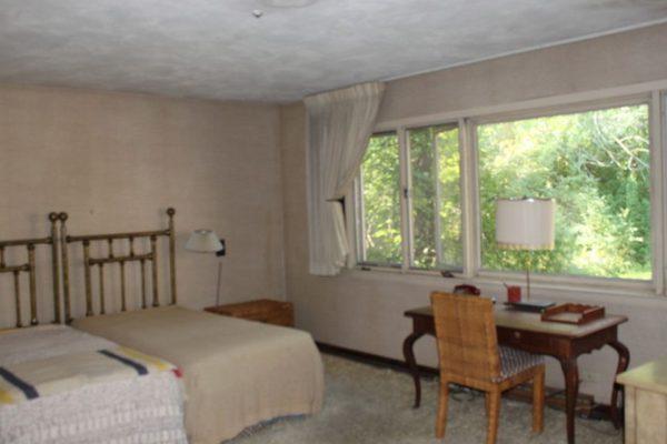 352 Sunrise Cir, Glencoe, IL 60022 -  $1,095,000