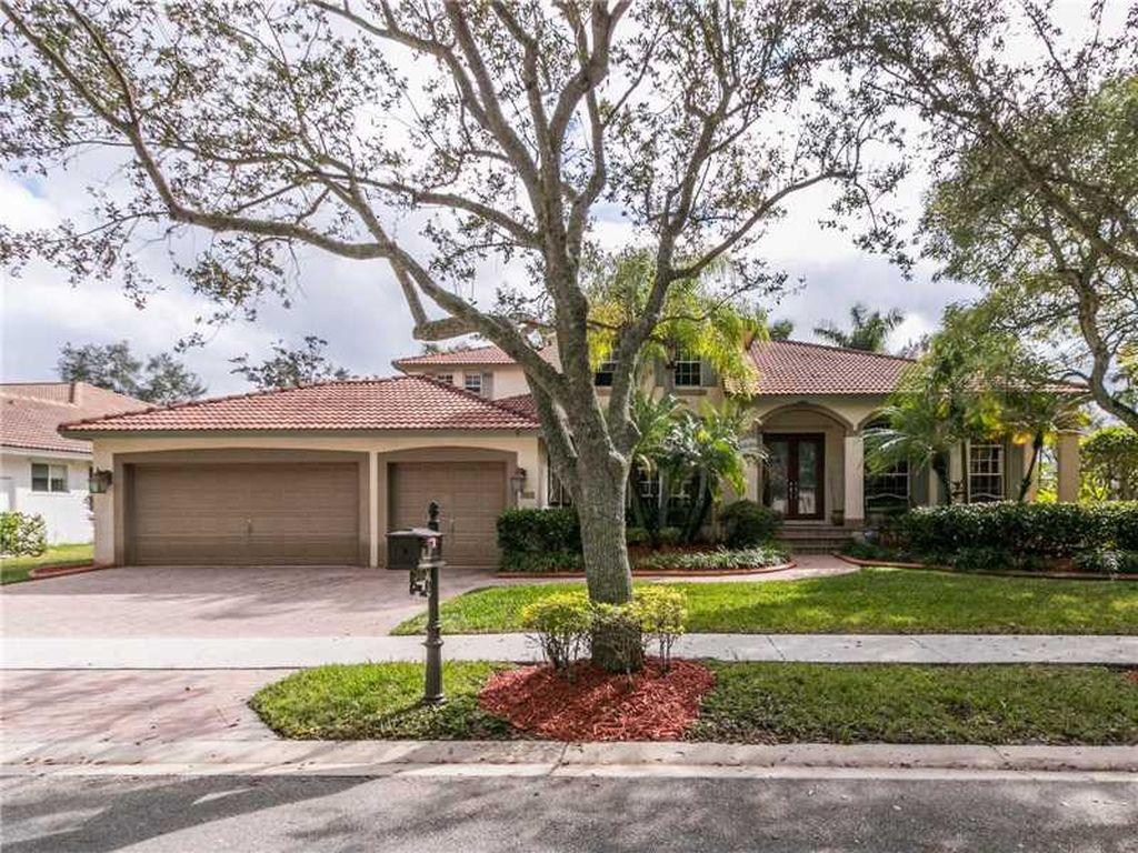 363 Mallard Rd, Weston, FL 33327 -  $925,000