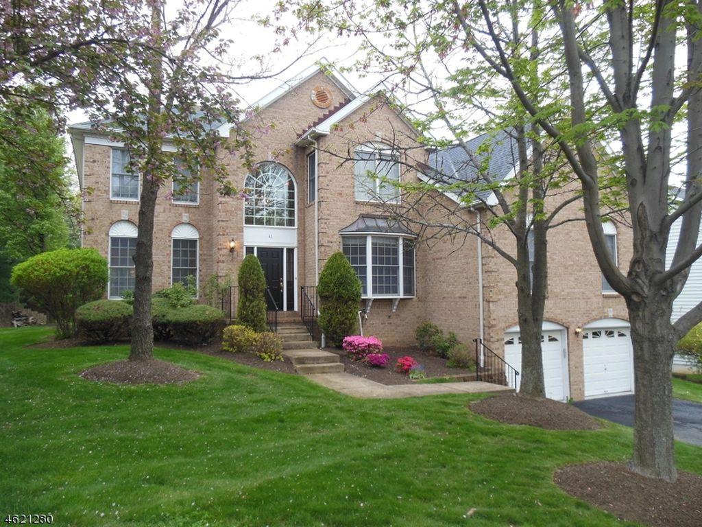 43 Sentinel Dr, Basking Ridge, NJ 07920 -  $1,099,000