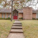 6 Beaver Tail Pt, Houston, TX 77024 -  $1,050,000