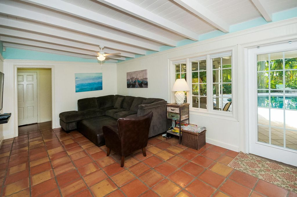 802 N Swinton Ave, Delray Beach, FL 33444 -  $1,099,000 home for sale, house images, photos and pics gallery