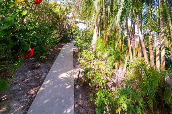 802 N Swinton Ave, Delray Beach, FL 33444 -  $1,099,000