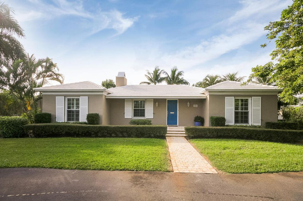 802 N Swinton Ave, Delray Beach, FL 33444 -  $1,099,000