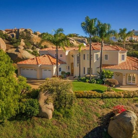 9769 Little Canyon Ln, Escondido, CA 92026 -  $999,900