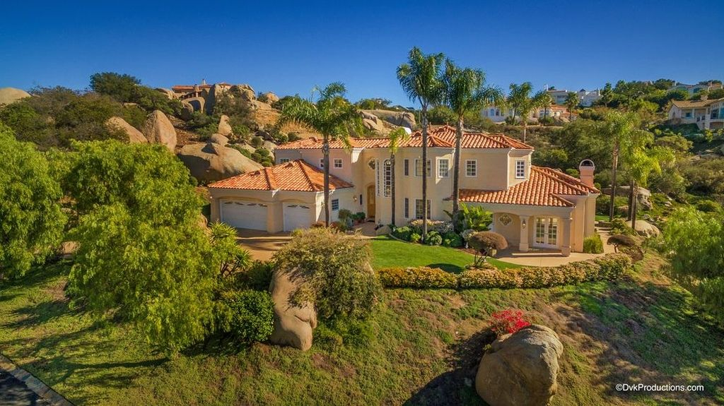 9769 Little Canyon Ln, Escondido, CA 92026 -  $999,900
