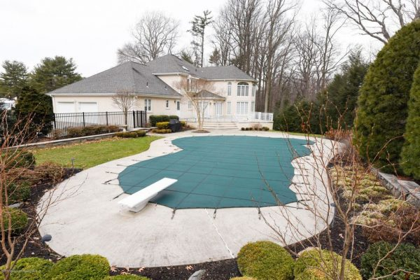 12 Fieldpoint Dr, Holmdel, NJ 07733 -  $1,099,000