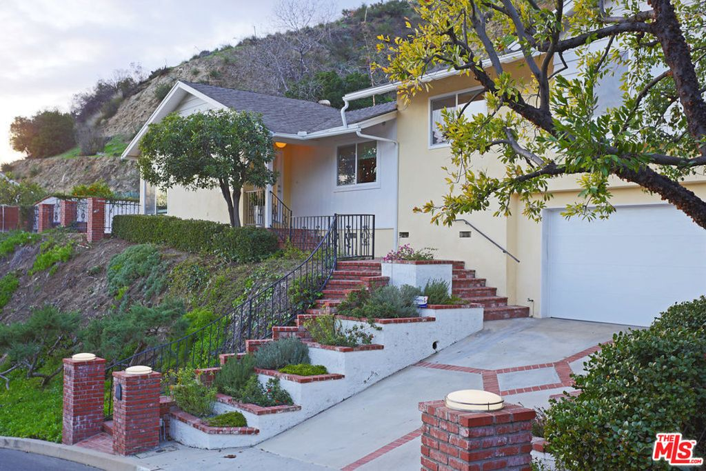 1221 Alta Paseo, Burbank, CA 91501 -  $1,099,000 home for sale, house images, photos and pics gallery