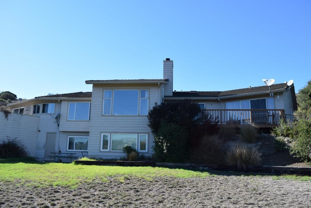 12326 Maravilla Dr, Salinas, CA 93908 -  $1,075,000 home for sale, house images, photos and pics gallery