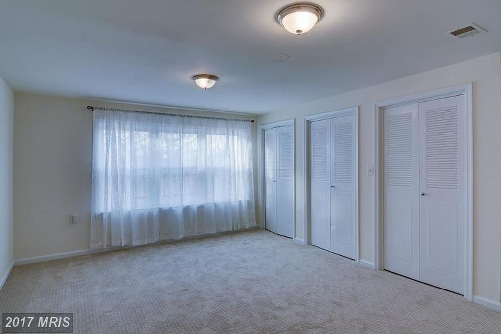 1302 1302 Brookdale Ter, Vienna, VA 22182 -  $1,125,000 home for sale, house images, photos and pics gallery