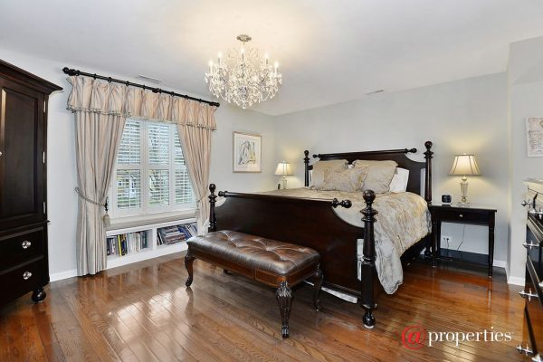 1310 Elmwood Ave, Wilmette, IL 60091 -  $1,139,000