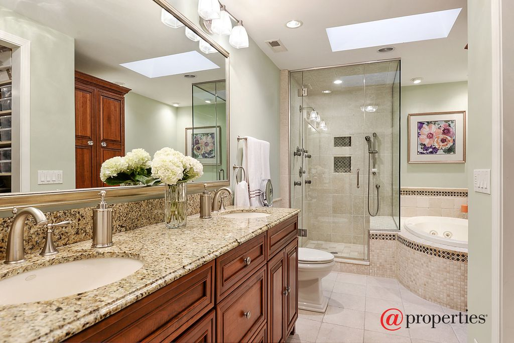 1310 Elmwood Ave, Wilmette, IL 60091 -  $1,139,000 home for sale, house images, photos and pics gallery