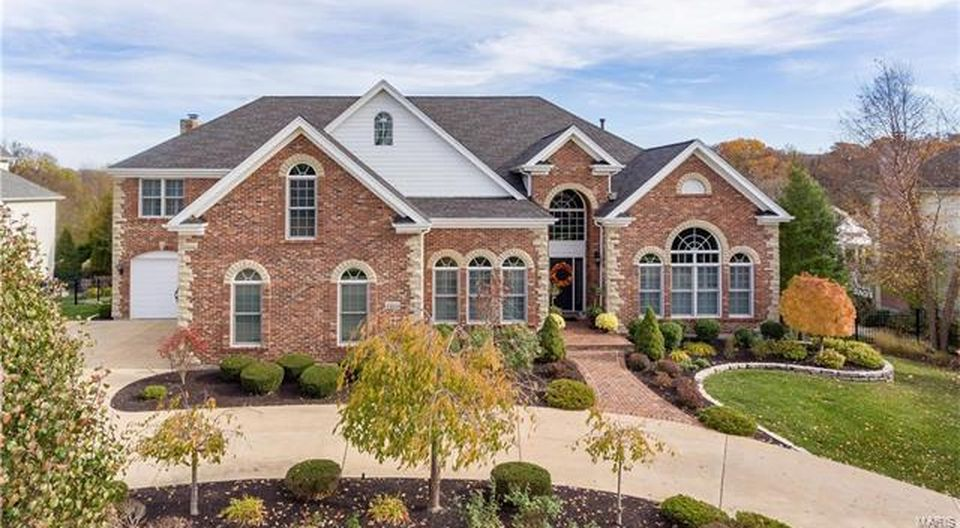 1312 Eaglewinds Ct, Chesterfield, MO 63005 -  $1,149,900