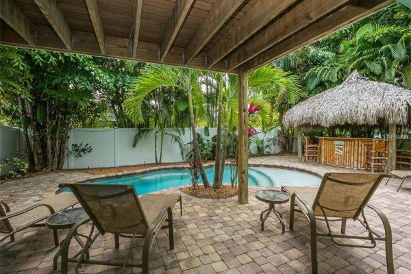 141 50th St, Holmes Beach, FL 34217 -  $1,100,000