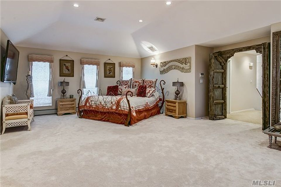 142 Alhambra Rd, Massapequa, NY 11758 -  $1,099,900 home for sale, house images, photos and pics gallery