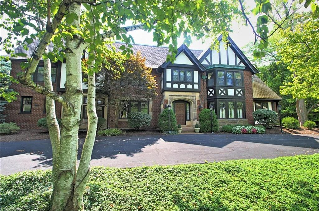 16800 Parkland Dr, Shaker Heights, OH 44120 -  $1,195,000 home for sale, house images, photos and pics gallery