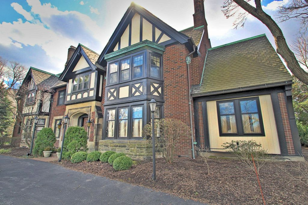 16800 Parkland Dr, Shaker Heights, OH 44120 -  $1,195,000