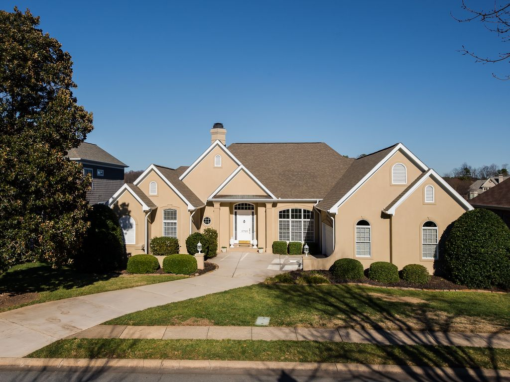 17723 Spinnakers Reach Dr, Cornelius, NC 28031 -  $1,149,000 home for sale, house images, photos and pics gallery
