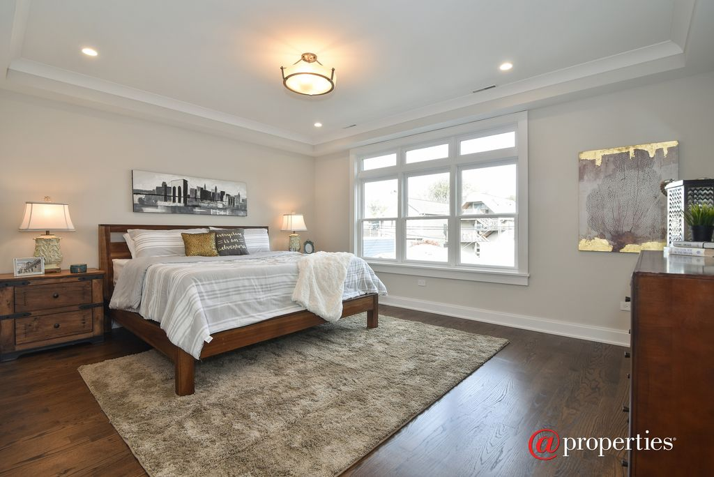 2424 W Belle Plaine Ave, Chicago, IL 60618 -  $1,099,000 home for sale, house images, photos and pics gallery