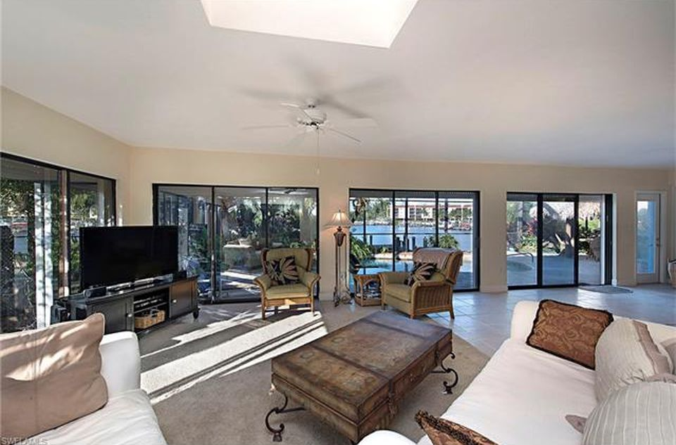 243 6th St, Bonita Springs, FL 34134 -  $1,100,000 home for sale, house images, photos and pics gallery