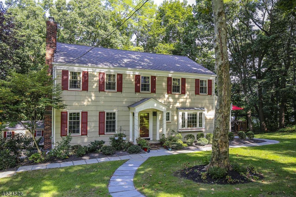 25 Sunset Dr, Chatham, NJ 07928 -  $1,150,000