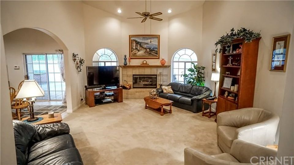 27505 Trail Ridge Rd, Santa Clarita, CA 91387 -  $1,155,000 home for sale, house images, photos and pics gallery